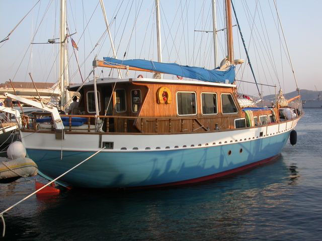 Cabin charters from Syros